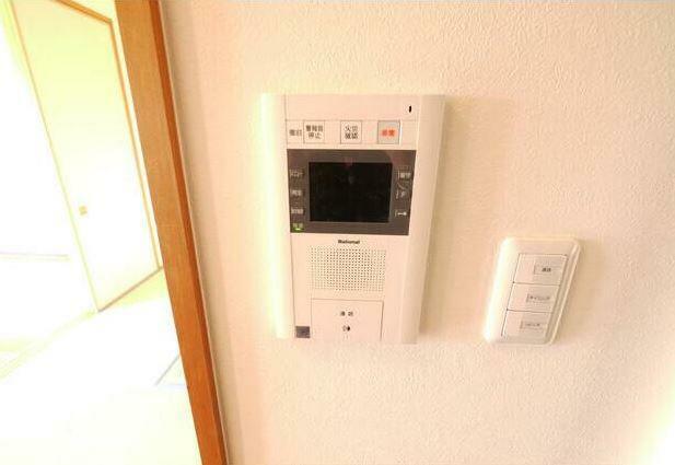 TVモニター付きインターフォン 安心のモニター付きインターホン。