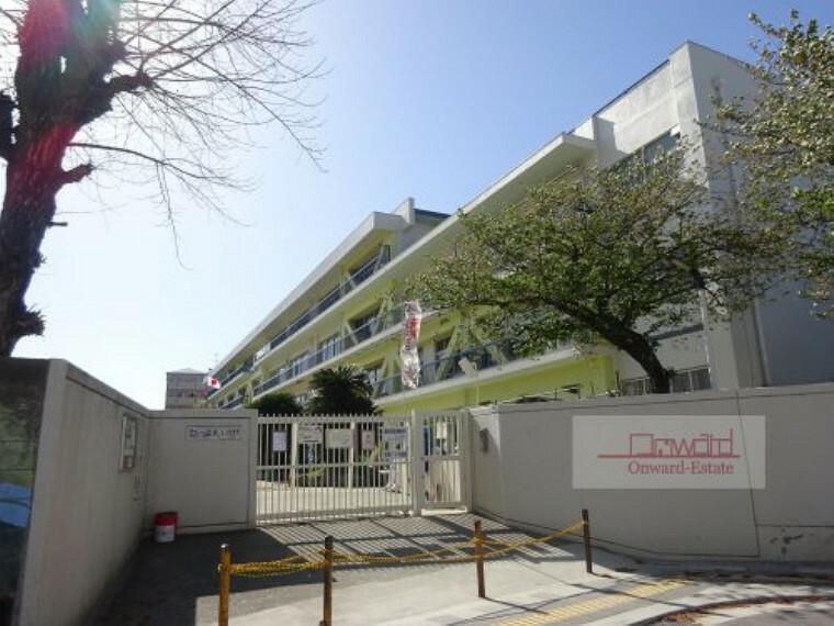 小学校 【小学校】守口市立八雲東小学校まで900m