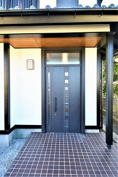 玄関 高級感のある玄関ドア