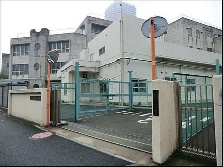 小学校 横浜市立子安小学校 学校教育目標は『自分が好き 友だちが好き 学校が好き まちが好き』
