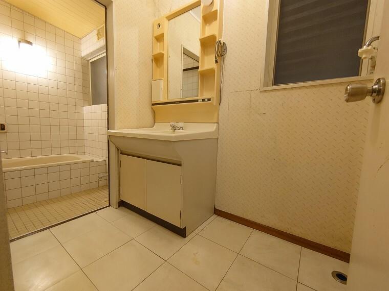 ランドリースペース ランドリースペースは浴室と近いので便利です。