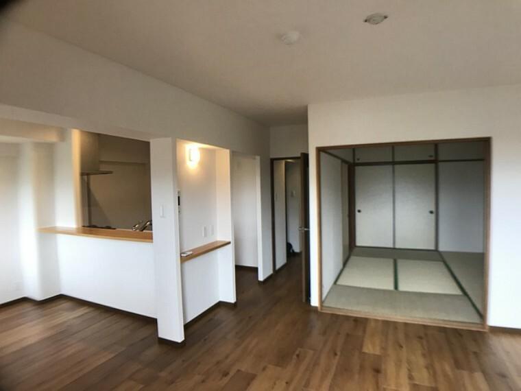 居間・リビング 2020年6月に室内リフォームが行われておりますので、この機会に是非ご内覧ください^^