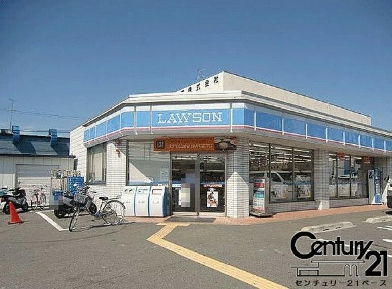 コンビニ ローソンストア100萩原天神駅前店