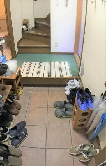 玄関 ゆったりとした玄関スペースは外出時も帰宅時も心を安らげてくれます。