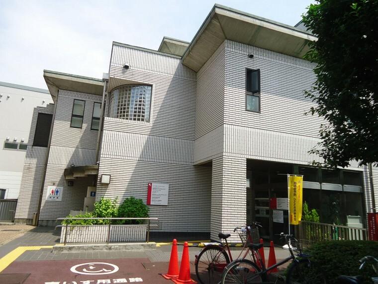 図書館 【図書館】池尻まちかど図書室まで405m