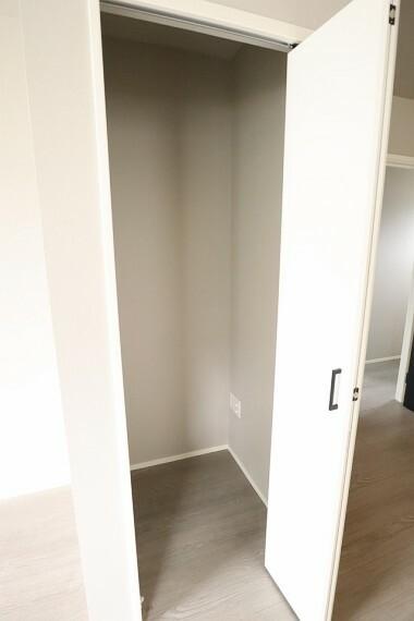 収納 収納 1階収納には生活用品を便利に収納可能です