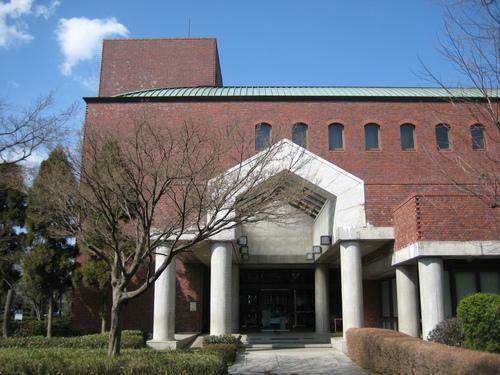 図書館 越谷市立図書館 埼玉県越谷市東越谷4-9-1