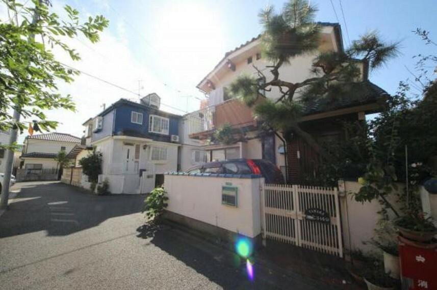 現況写真 2面バルコニーに面し明るく風通しの良い邸宅です