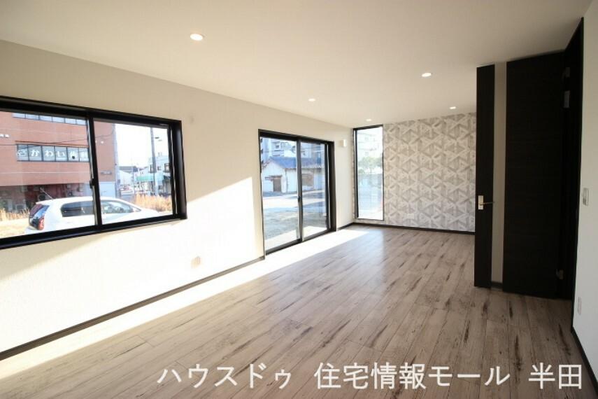居間・リビング 18.6帖のLDKは明るく開放感のある空間です