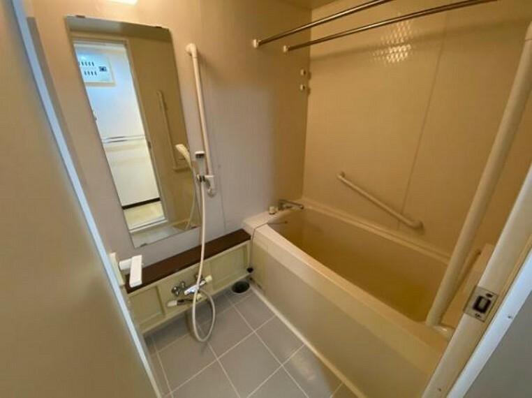 浴室 室内物干し付きの浴室!雨の日のお洗濯も安心ですね