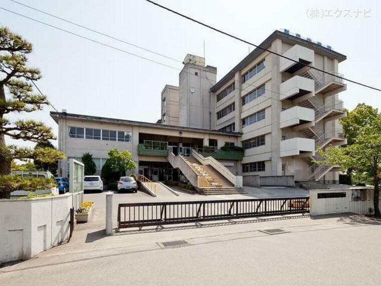 中学校 越谷市立新栄中学校 距離1600m