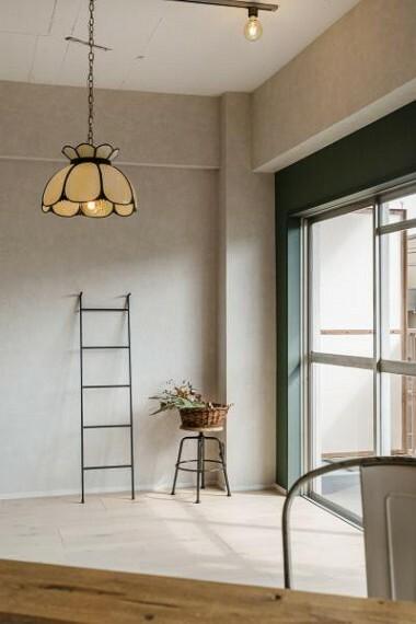 居間・リビング お好きなインテリアや照明に変えることで、あなただけの空間をつくってみては。2020.4月