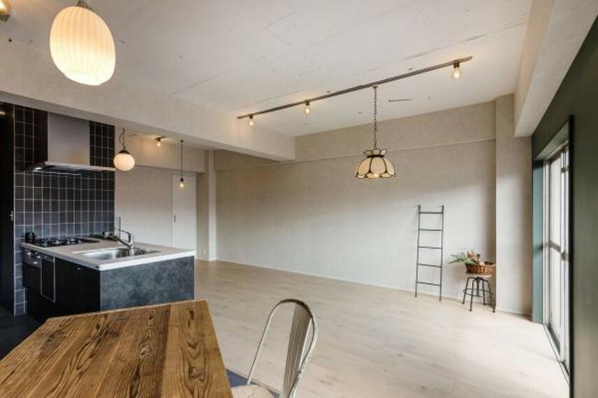キッチン ダイニングとリビングは白をベースにして爽やかな空間にしました。2020.4月