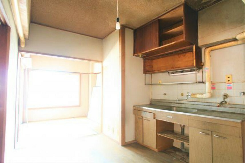 キッチン キッチンの位置変更から素材選びまで、お好みのスタイルを叶えられます。2020.8月