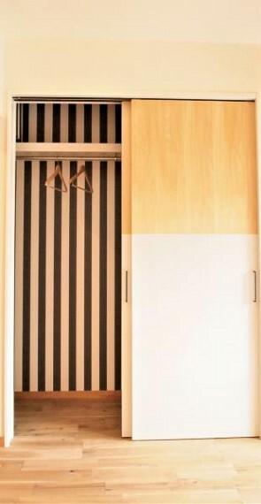 ~クローゼットプラン例~扉設置、壁紙貼替(同一タイプ)工事費30万(価格に含みません)
