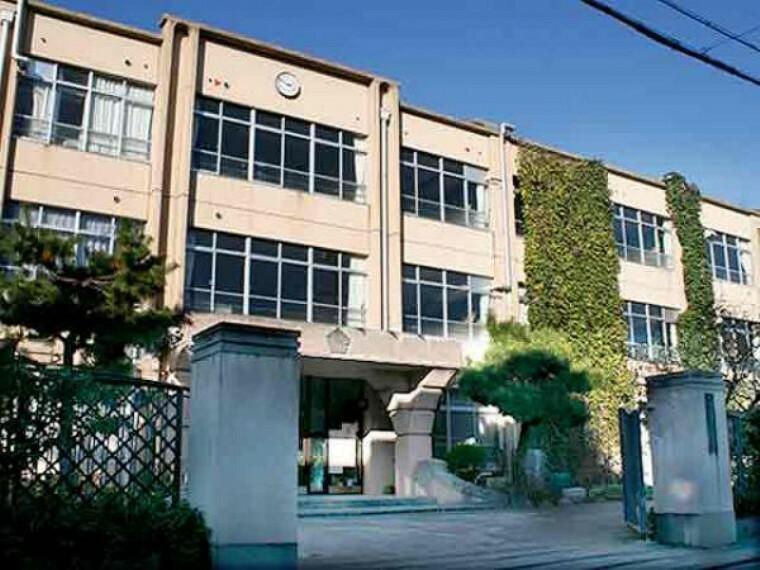中学校 桃山中学校