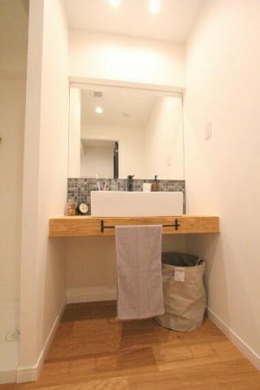 洗面化粧台 まるでホテルの様な洗面化粧台