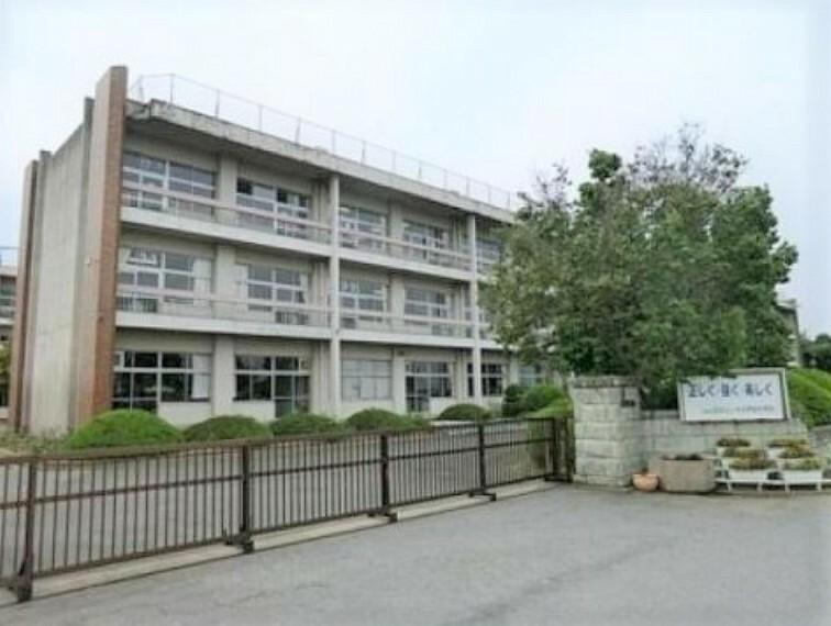 中学校 【中学校】つくばみらい市立伊奈中学校まで3905m