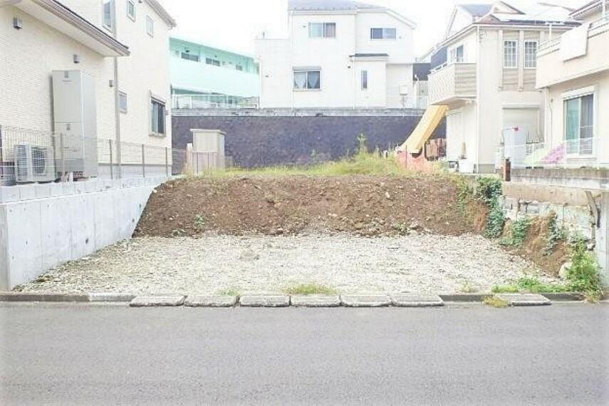 現況写真 フル装備住宅の富士住建の建築条件付きの売地です!お好きなプランでご建築可能です