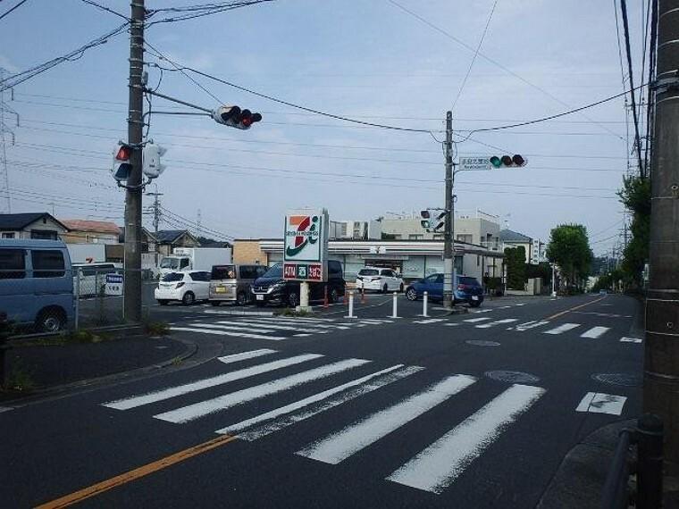 コンビニ セブンイレブン横浜奈良北団地店