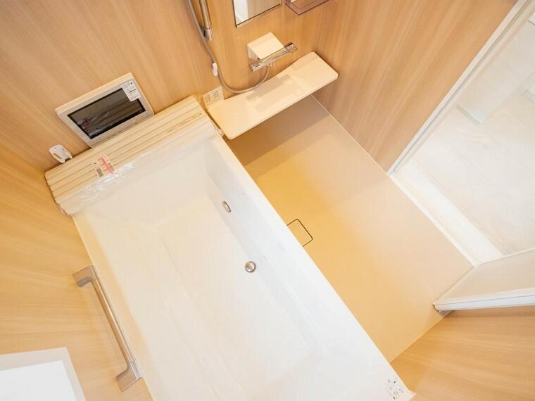浴室 一日の疲れを癒してくれる場所と言えばお風呂。その日の疲れはその日のうちに流しましょう。
