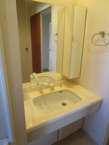 洗面化粧台 オリジナルの洗面化粧台!