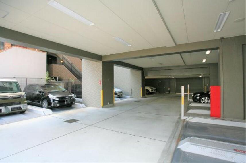 敷地内駐車場 共用部 敷地内駐車場 2020.9月