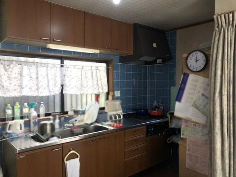 キッチン シンプルで使い易いキッチン 浄水器付き