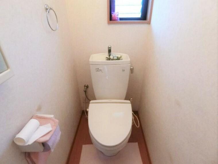 トイレ 各階にトイレがございますので、朝の忙しい時間帯もスムーズに準備が出来ますね。
