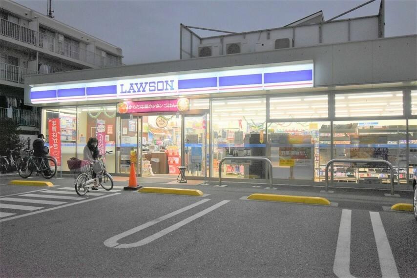 コンビニ ローソン北小岩四丁目店
