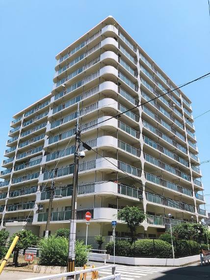外観写真 1977年9月築 SRC造12階建4階部分 南向