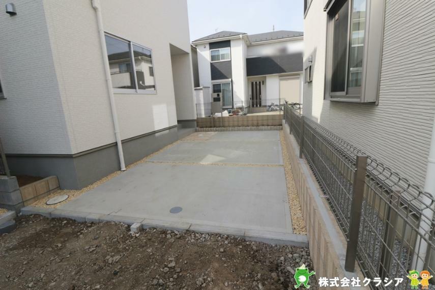 駐車場 駐車スペースは1台可能です。(2021年3月撮影)