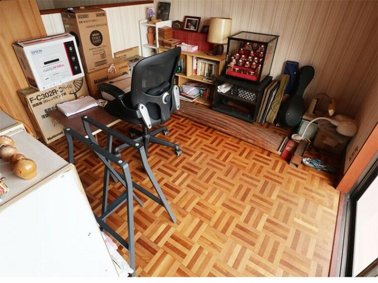居間・リビング 二階洋室