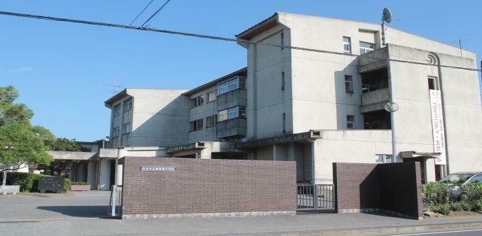 中学校 君津市立周西南中学校 徒歩15分。