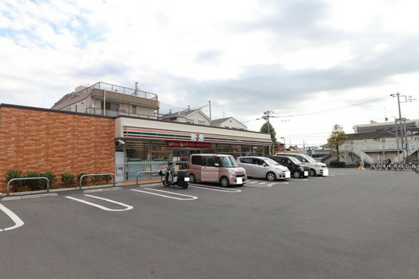 コンビニ セブンイレブン川崎井田三舞町店