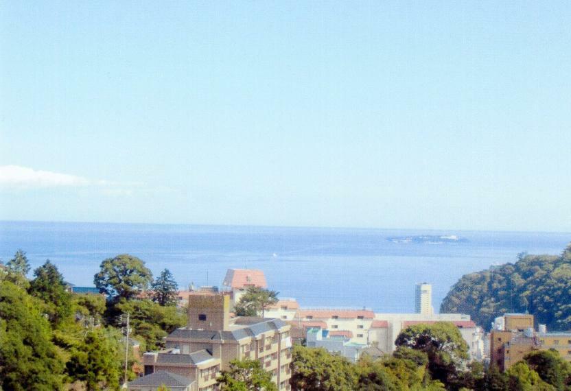 眺望 お部屋のバルコニーからの眺めです。熱海市街、海、海上花火を望みます