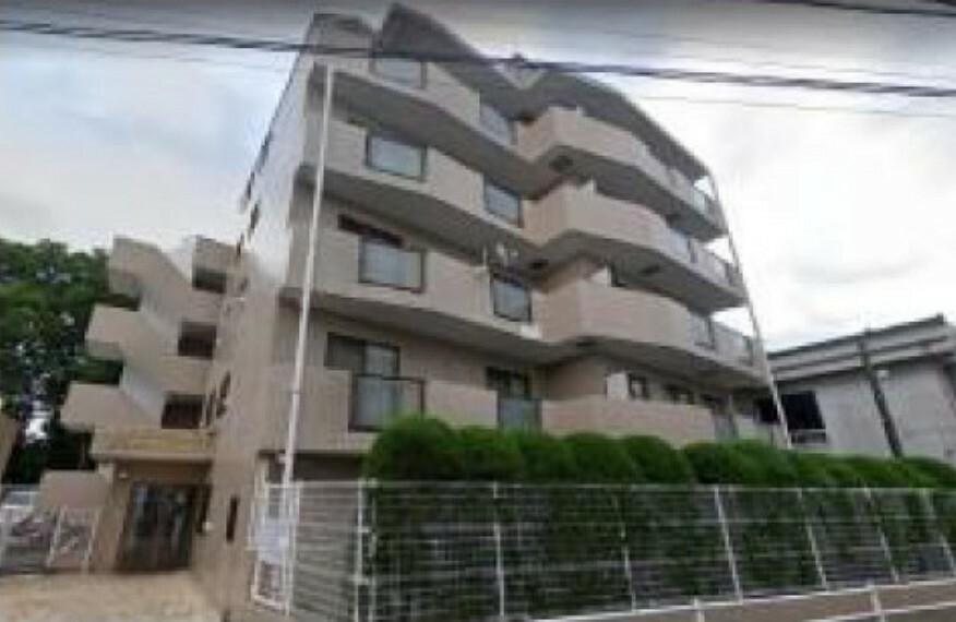 外観写真 厚木市妻田北に位置するマンションで、3LDKの間取りです。