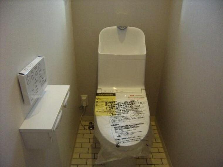 トイレ 夜中のトイレに対応する家族にうれしい2階部分トイレ。
