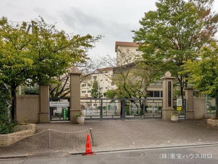さいたま市立大久保中学校 距離1100m