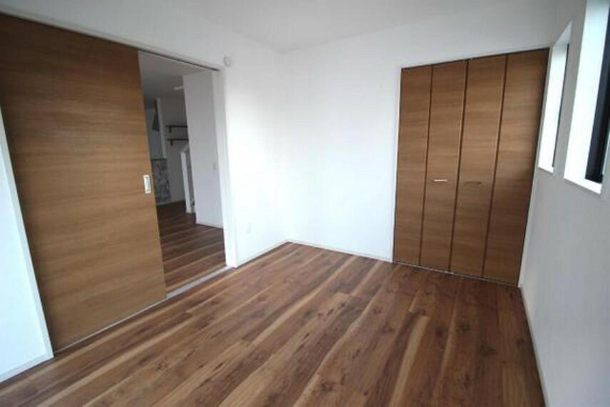 専用部・室内写真 クローゼット付きで、お部屋もスッキリ。