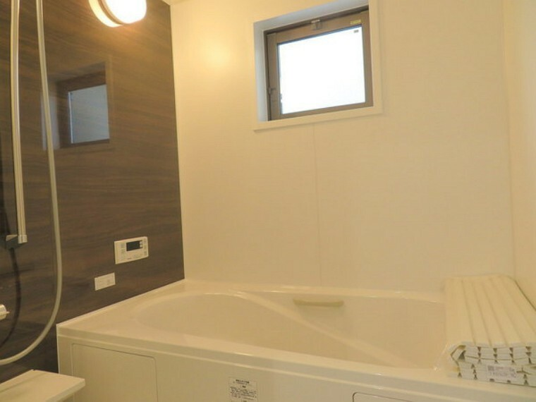 浴室 こちらは賃貸中のオーナーチェンジ物件です。実際にお住まいいただけません。