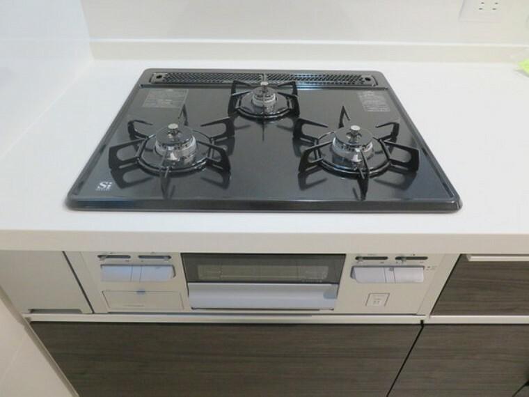 キッチン こちらは賃貸中のオーナーチェンジ物件です。実際にお住まいいただけません。