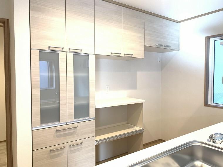 収納 キッチンには豊富な収納付き!食器や調理器具なども簡単に整頓できます。