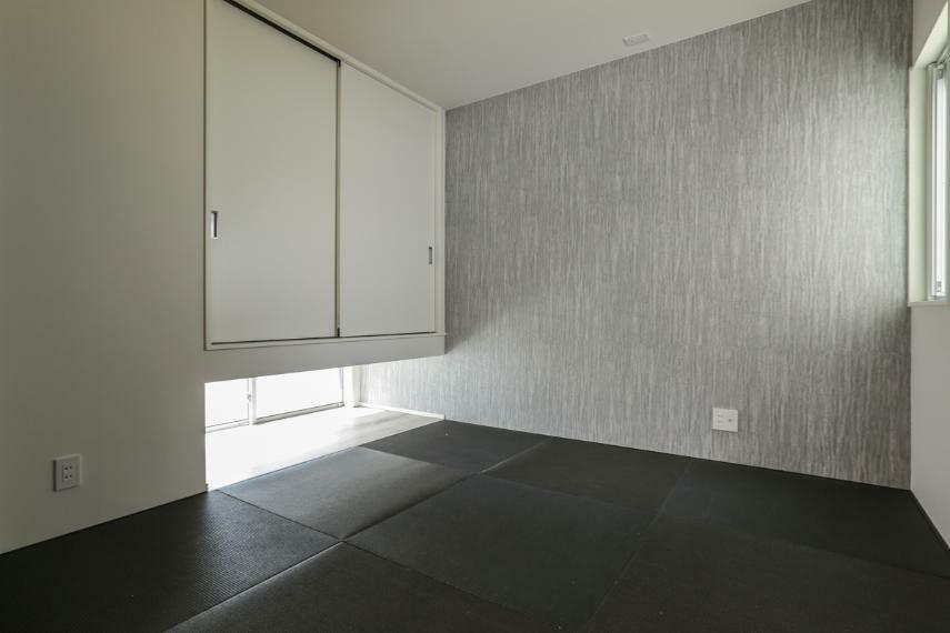 和室 くつろぎの和室。建具を開ければLDKと繋がり、より開放的な空間が生まれます。(1号棟)