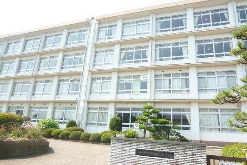 中学校 平塚市立金目中学校 徒歩13分(約1000m)