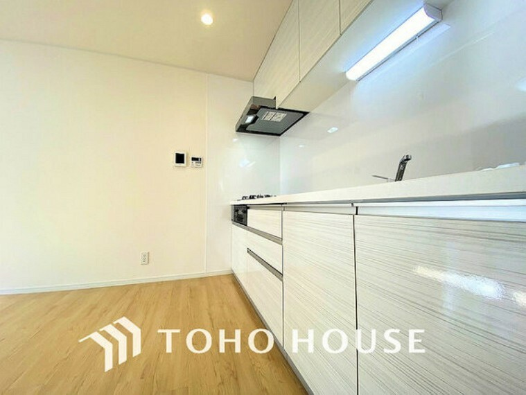 キッチン 落ち着きのあるカラーで統一された清潔感と気品が溢れるキッチン