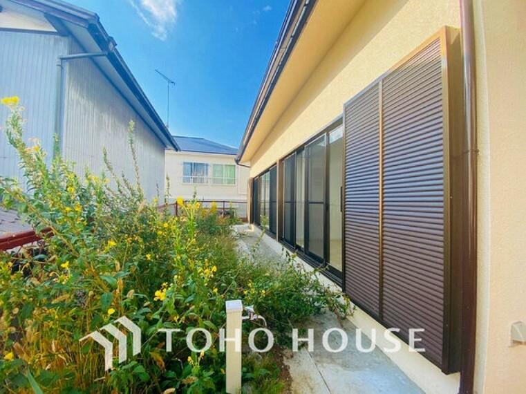 庭 日当たりの良いお庭スペースで、ガーデニングや家庭菜園などにいかがでしょうか