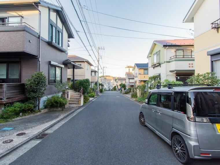 現況写真 都市機能の利便性と豊かな緑に恵まれた住環境。良質な環境に暮らす永住の邸。
