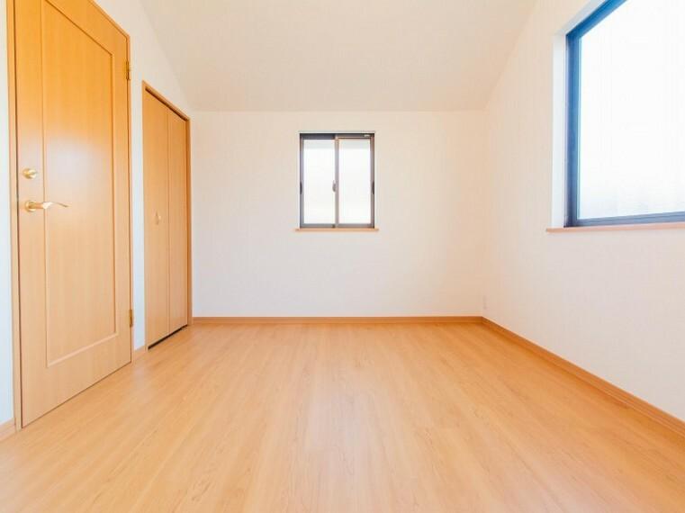 洋室 自分時間を充実させながら心豊かなひとときを過ごすための大切な空間です。内装内観写真-洋室
