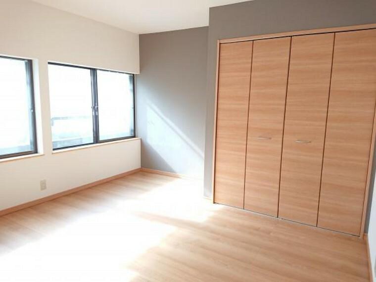 【リフォーム済】1階和室を洋室8帖収納付きに変更しました。